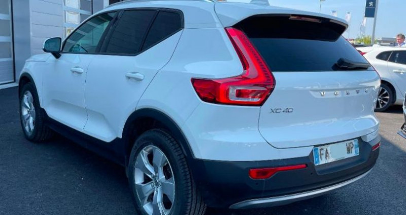 Volvo XC40 D4 AdBlue AWD 190ch Momentum Geartronic 8  occasion à BARBEREY SAINT SULPICE - photo n°5