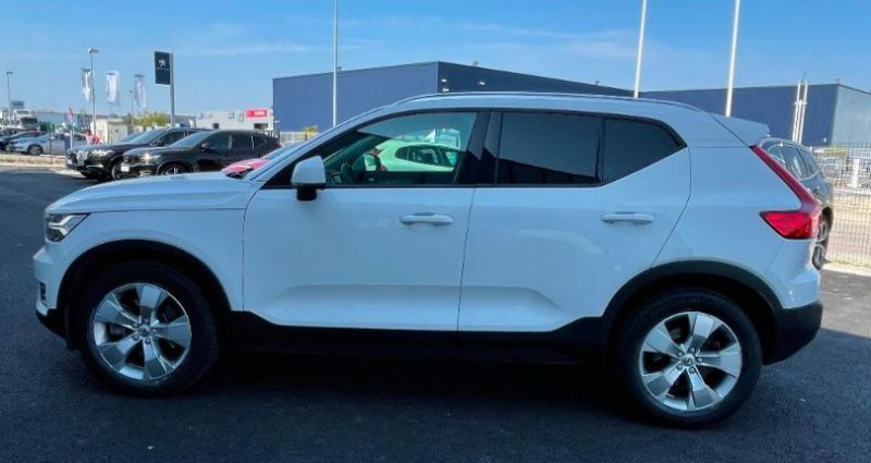 Volvo XC40 D4 AdBlue AWD 190ch Momentum Geartronic 8  occasion à BARBEREY SAINT SULPICE - photo n°6