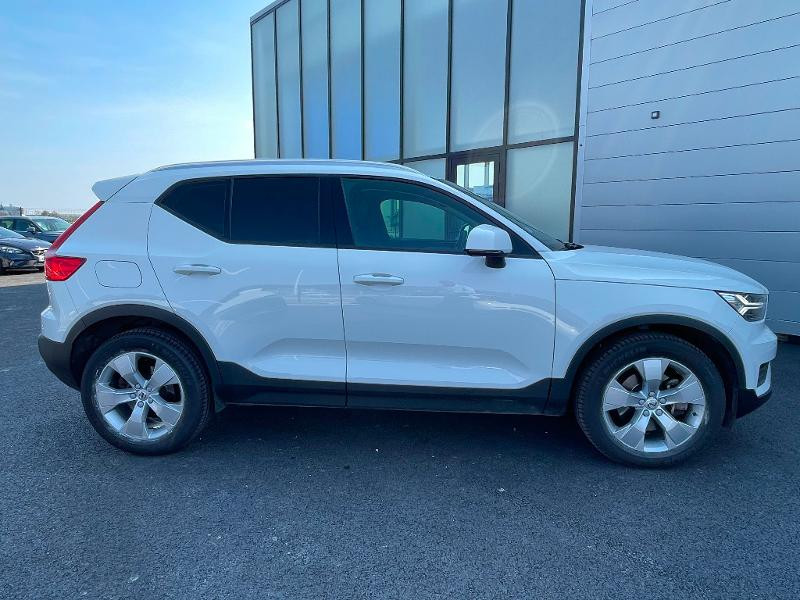 Volvo XC40 D4 AdBlue AWD 190ch Momentum Geartronic 8  occasion à Barberey-Saint-Sulpice - photo n°2