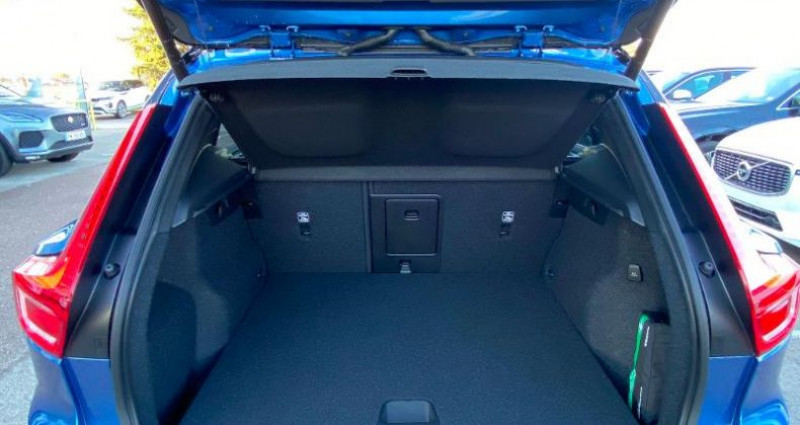 Volvo XC40 P8 AWD 408ch R-Design EDT Bleu occasion à BARBEREY SAINT SULPICE - photo n°6