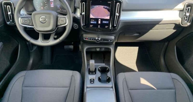 Volvo XC40 T2 129ch Momentum Geartronic 8 Gris occasion à BARBEREY SAINT SULPICE - photo n°7