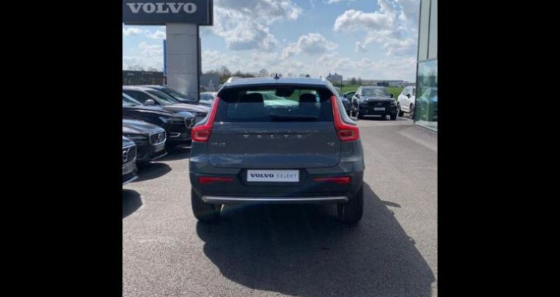 Volvo XC40 T2 129ch Momentum Geartronic 8 Gris occasion à BARBEREY SAINT SULPICE - photo n°6