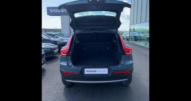 Volvo XC40 T2 129ch Momentum Geartronic 8 Gris occasion à BARBEREY SAINT SULPICE - photo n°5