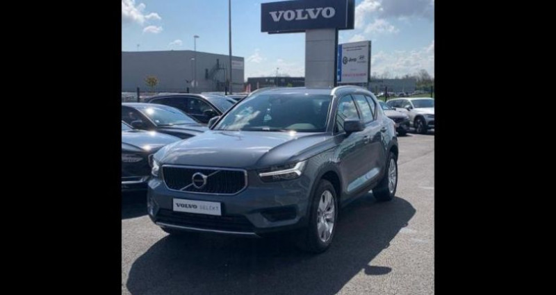 Volvo XC40 T2 129ch Momentum Geartronic 8 Gris occasion à BARBEREY SAINT SULPICE - photo n°4
