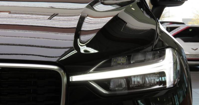 Volvo XC60 (2E GENERATION) B4 197 II AWD R-Design Geartronic 8 Noir occasion à Tours - photo n°6