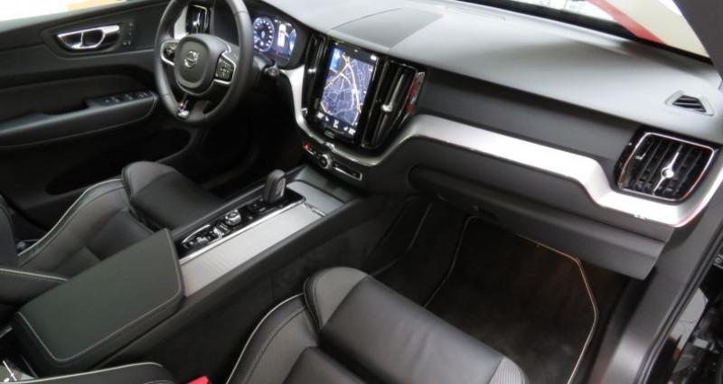 Volvo XC60 (2E GENERATION) B4 197 II AWD R-Design Geartronic 8 Noir occasion à Tours - photo n°3