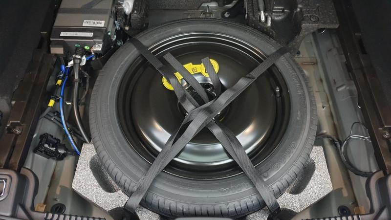 Volvo XC60 2.0 b4 awd 197cv geartronic 8 r-design surequipe Noir occasion à Ganges - photo n°6