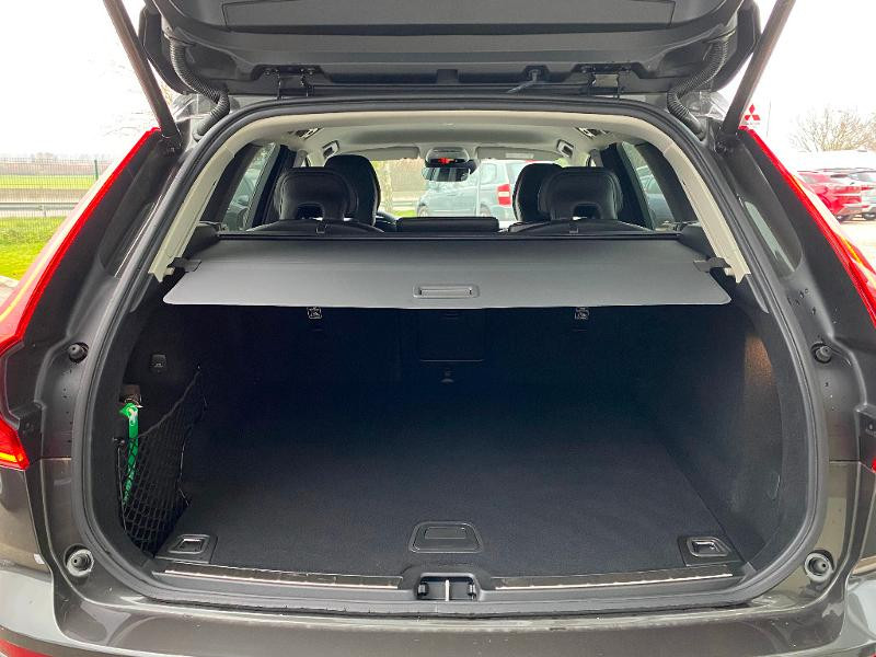 Volvo XC60 B4 AdBlue AWD 197ch Business Executive Geartronic Gris occasion à Barberey-Saint-Sulpice - photo n°6