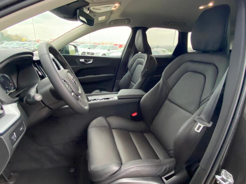 Volvo XC60 B4 AdBlue AWD 197ch Business Executive Geartronic Gris occasion à Barberey-Saint-Sulpice - photo n°8