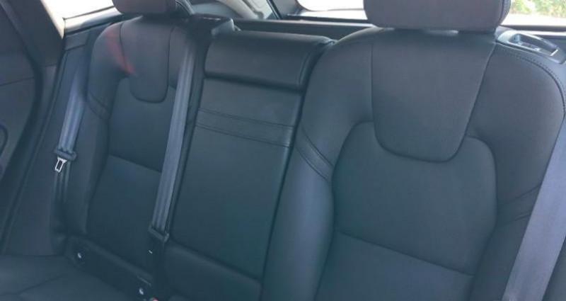 Volvo XC60 B4 AdBlue AWD 197ch Inscription Geartronic Noir occasion à Orléans - photo n°4