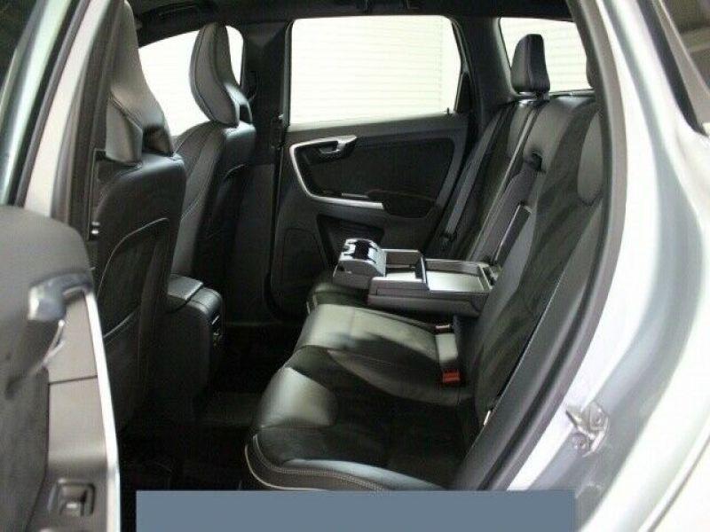 Volvo XC60 D3 150 R Design Gris occasion à Beaupuy - photo n°5