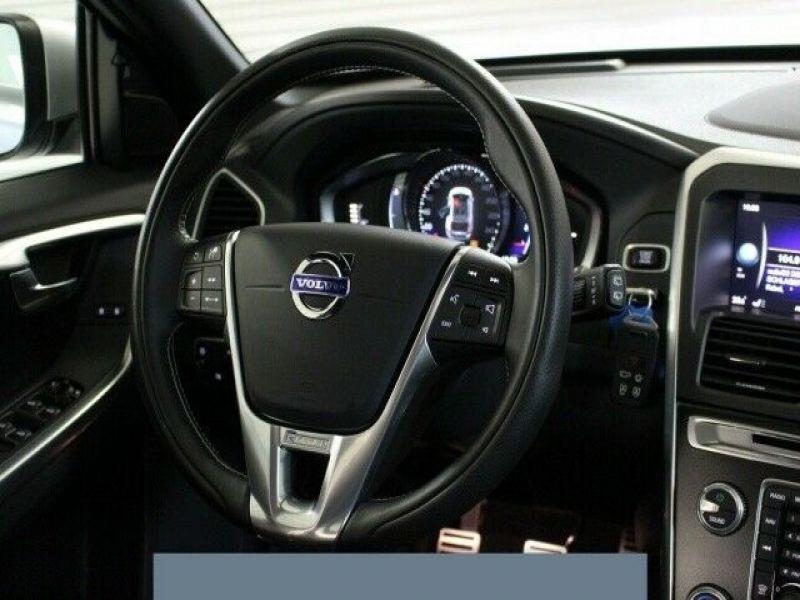 Volvo XC60 D3 150 R Design Gris occasion à Beaupuy - photo n°6