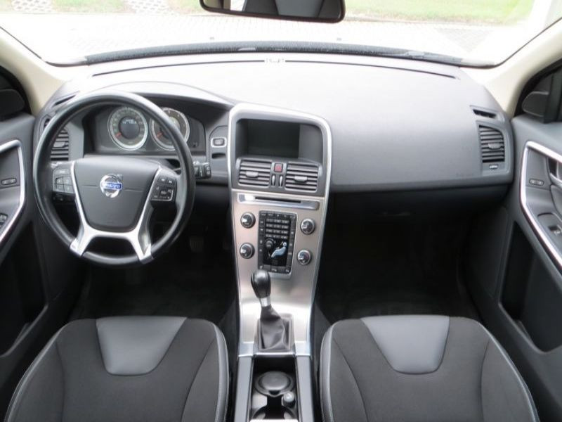 Volvo XC60 D3 163 DRIVe Momentum Argent occasion à Beaupuy