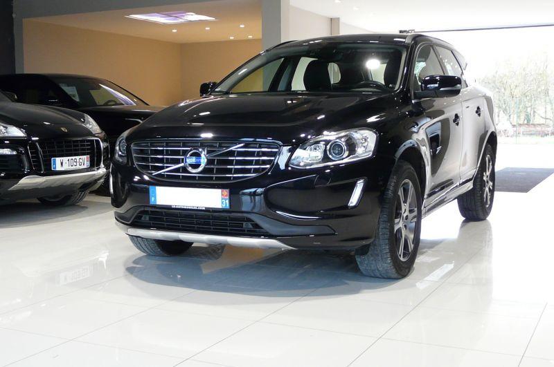 Volvo XC60 D4 181 AWD MOMENTUM Noir occasion à Beaupuy