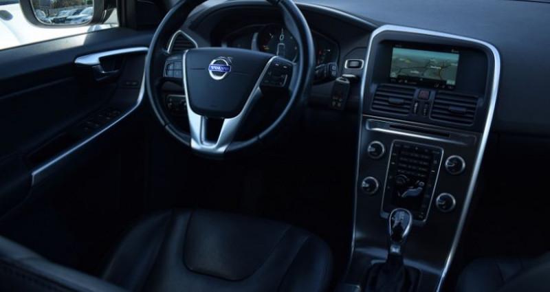 Volvo XC60 D4 181CH SUMMUM GEARTRONIC Noir occasion à VENDARGUES - photo n°2