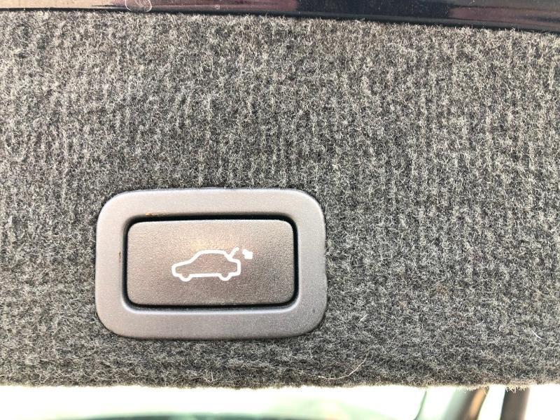 Volvo XC60 D4 181ch Summum Geartronic Noir occasion à Gien - photo n°12