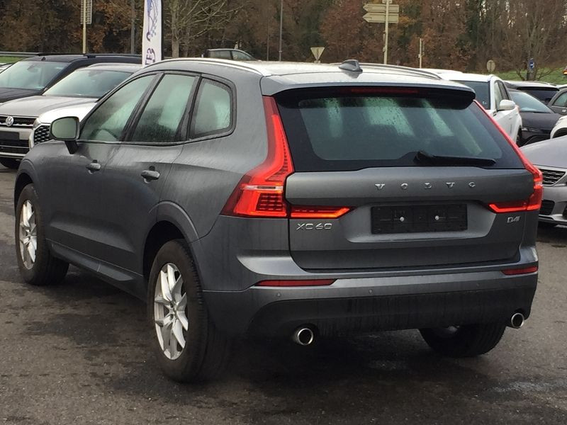 Volvo XC60 D4 ADBLUE AWD 190CH MOMENTUM GEARTRONIC Gris occasion à Campsas - photo n°8