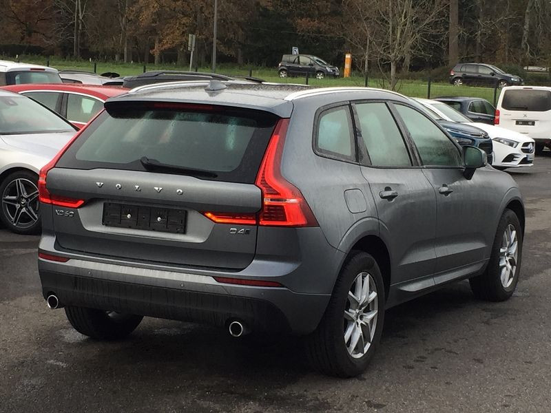 Volvo XC60 D4 ADBLUE AWD 190CH MOMENTUM GEARTRONIC Gris occasion à Campsas - photo n°6