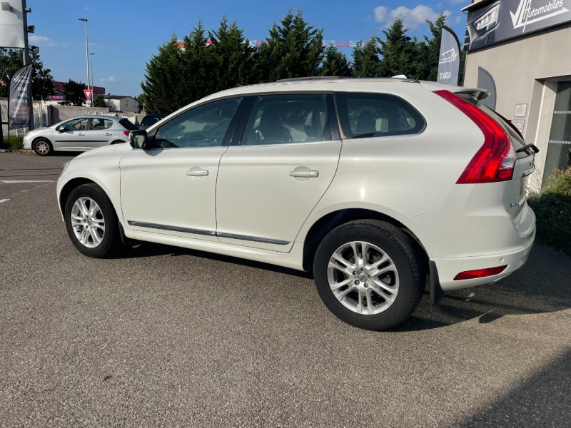 Volvo XC60 D4 AWD 163CH SUMMUM GEARTRONIC Blanc occasion à Colomiers - photo n°2