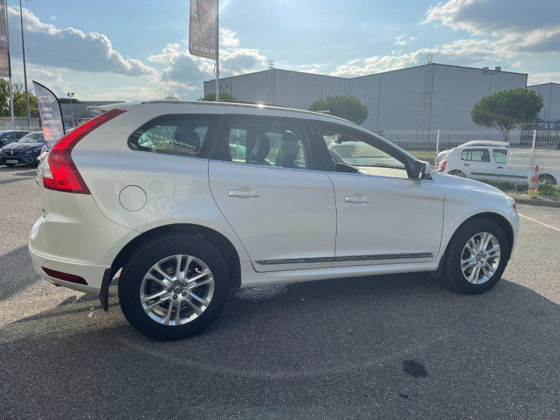 Volvo XC60 D4 AWD 163CH SUMMUM GEARTRONIC Blanc occasion à Colomiers - photo n°3