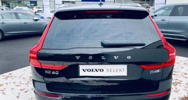 Volvo XC60 D4 AWD 190ch R-Design Geartronic Noir occasion à Montévrain - photo n°2