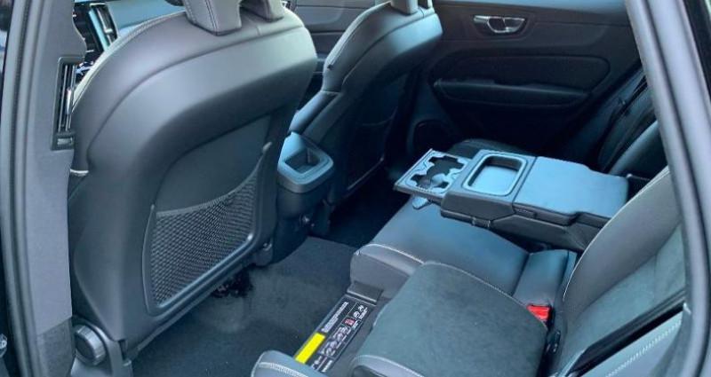 Volvo XC60 D5 AdBlue AWD 235ch R-Design Geartronic Noir occasion à BARBEREY SAINT SULPICE - photo n°6
