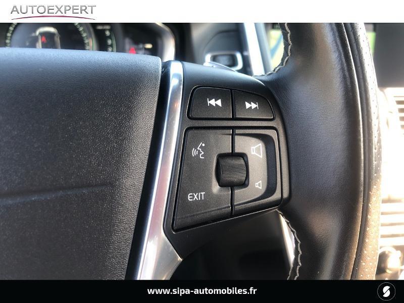 Volvo XC60 D5 AWD 220ch R-Design Geartronic Noir occasion à Villenave-d'Ornon - photo n°19