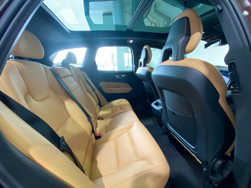 Volvo XC60 D5 AWD 235ch Inscription Geartronic Marron occasion à Labège - photo n°9