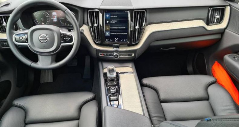 Volvo XC60 T8 AWD Recharge 303 + 87ch Inscription Luxe Geartronic Gris occasion à AUBIERE - photo n°4