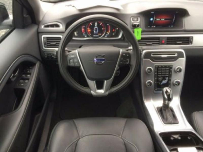 Volvo XC70 D4 AWD Momentum 181 ch Blanc occasion à Beaupuy - photo n°1